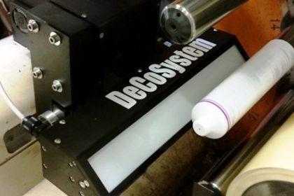 sistema automatizado que realiza inspeção de impressão através de camera